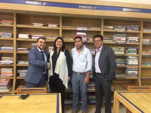 El Director de Desarrollo de Negocio de Grupo Trevenque, Chema Prados (izqda) y el consultor de software editorial de Grupo Trevenque en México, Eduardo Peña (derecha), junto a directivos de Gonvill. / GT.